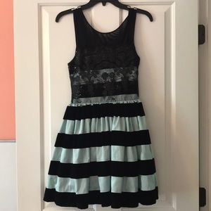 Other - Five loaves twofish girls dress
